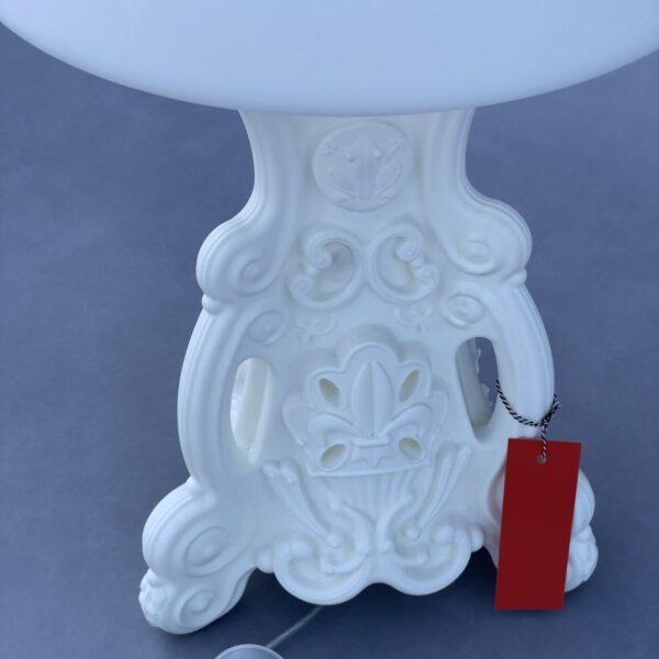 Slide Lady of Love tafellamp van helder ontwerp gemaakt in Italië Verlichting Design Meubels Tweedehands Nieuw