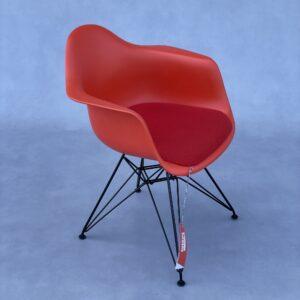 Vitra DAR Eames Stoel Oranje Kunststof + Rood Kussen Stoelen Design Meubels Tweedehands Nieuw