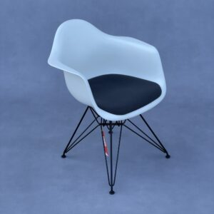 Vitra DAR Eames Stoel Wit met Antraciet kussen Stoelen Design Meubels Tweedehands Nieuw