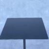 De Hay Terrazzo Square tuintafel 60×60 Rode Terrazzo voet en een zwart blad en poot Tuin en Terras / Tuinmeubelen Design Meubels Tweedehands Nieuw